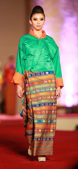 RTA fashion show shinglochem kira